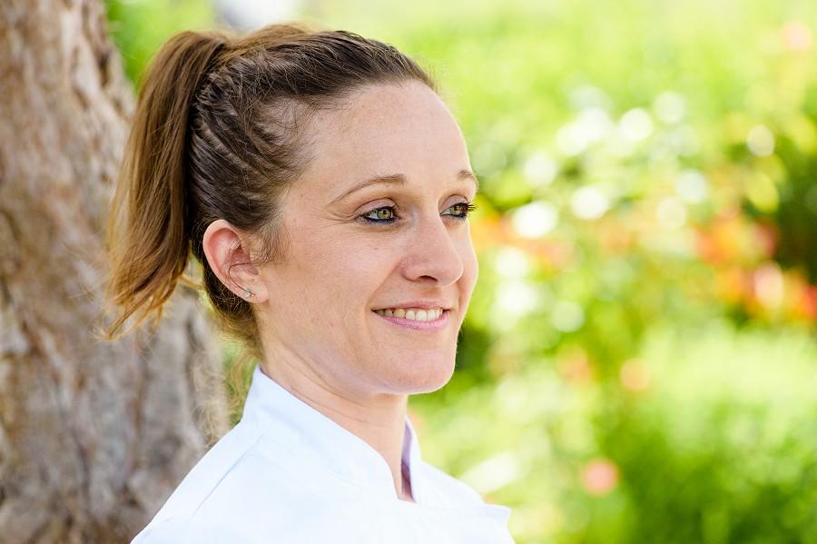 Estelle, chef de la Griotte, restaurant à Neauphle le Chateau ( Yvelines - 78) Yvelines spécialiste des photos de restaurants