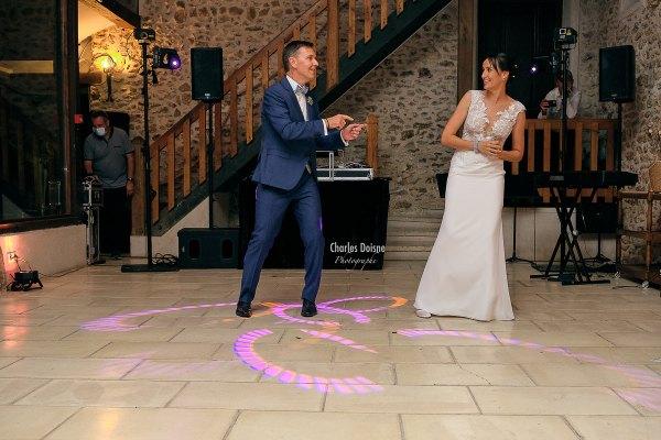 Photos de mariage durant le bal 3